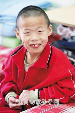 天津/贾山 16岁 小帅哥,是儿保中心的孩子王,帮老师们管理孩子。